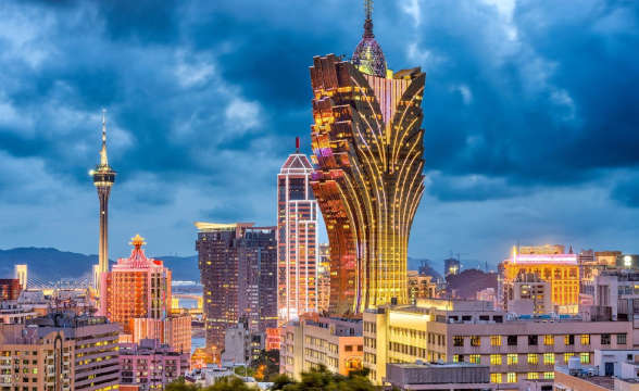 Casino stocks fall as Macau takes coronavirus hit