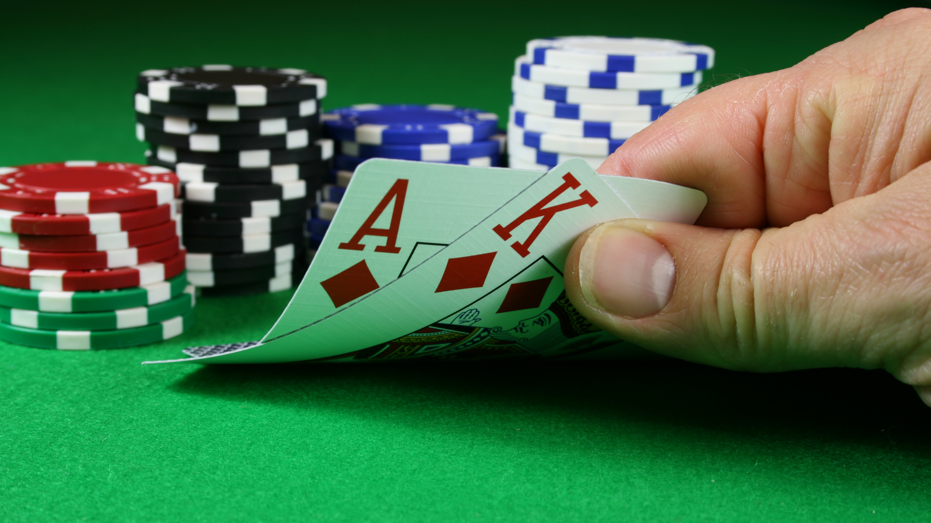Poker tips: How to conquer tournaments
