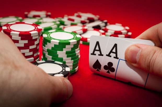 5 Reasons why you should play poker
