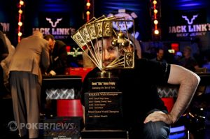 5 of the Most Epic Trophies in Poker_2