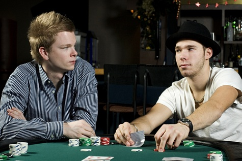A Definitive Guide to Poker Tells and Reads