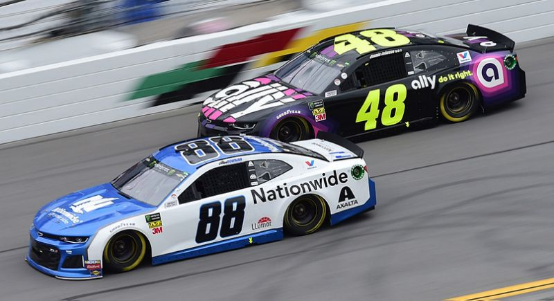 NASCAR now open to betting on its races