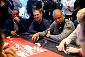 Phil Hellmuth will host Tiger Woods' 8th annual poker night 3