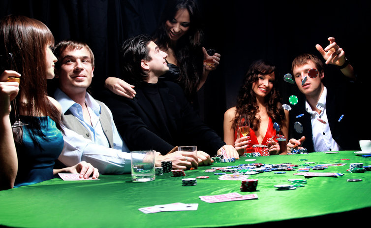 Playing Poker Games at Home or Online