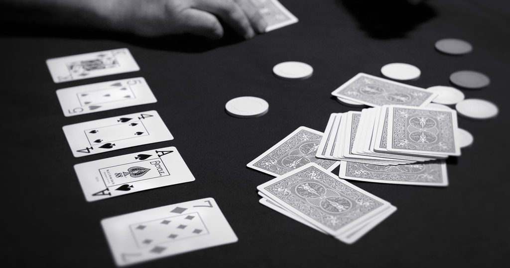 Big Stack University Tips - How to play Texas Hold'em?