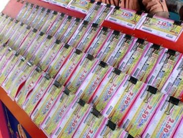 Seven lottery parlours raided in Mumbai