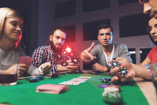Tips to Help You Bluff Successfully in Poker Games