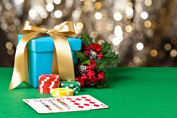 Top 10 Christmas Gifts for Poker Players in India