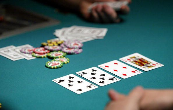 5 Reasons why you must play Poker