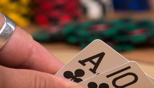 Beat Tight Poker Players the Smart Way