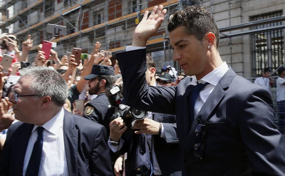 Cristiano Ronaldo pleads guilty in Spain tax case