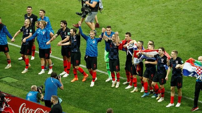Mandžukic takes Croatia to maiden World Cup final
