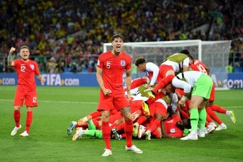 Penalty shootout win gets England to quarters