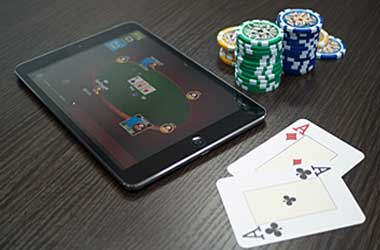 Playing on Mobile Devices: Advantages & Disadvantages