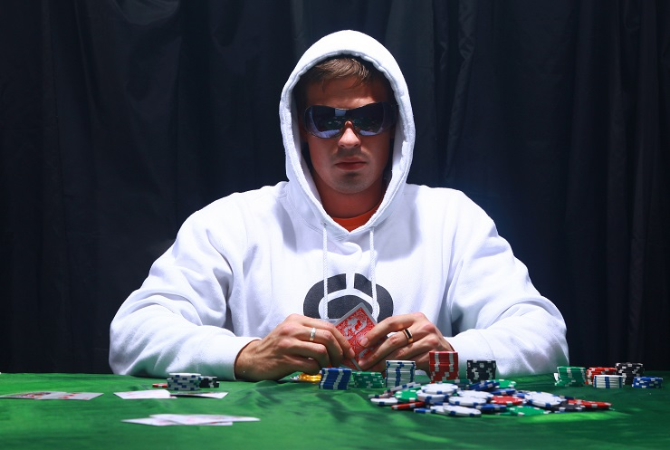 The Emotional Traits of Confident Poker Players