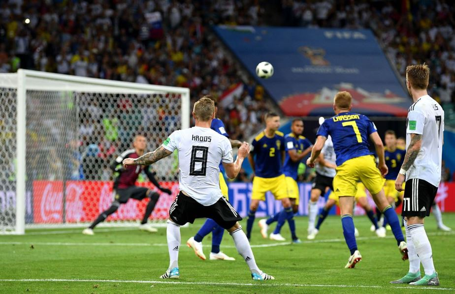 Thrilling finish as Germany beat Sweden