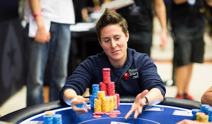 Vanessa Selbst takes back retirement for charitable cause