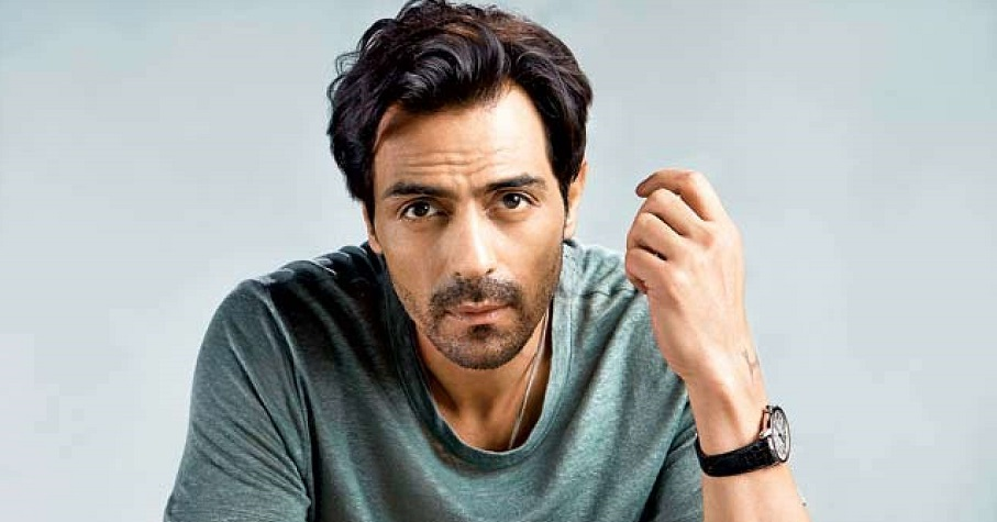 Superstar Arjun Rampal Plays Poker for COVID relief