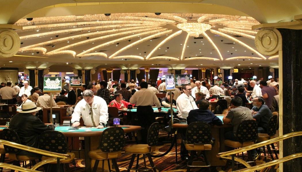 Some Celebrities who Love spending money on gambling