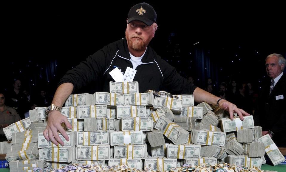 Self-taught Poker player Darvin Moon passes away at 56