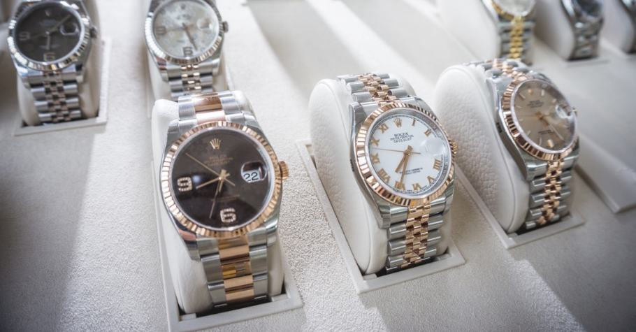 Luxury Watches That Poker Players Wear