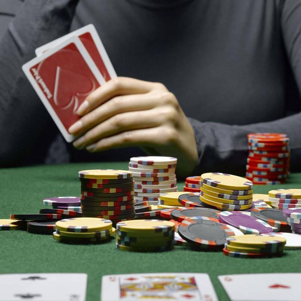 5 Weird Poker Cheating Techniques