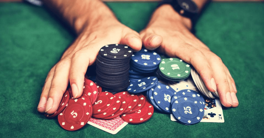 Poker: How This Game Helps In Better Decision Making