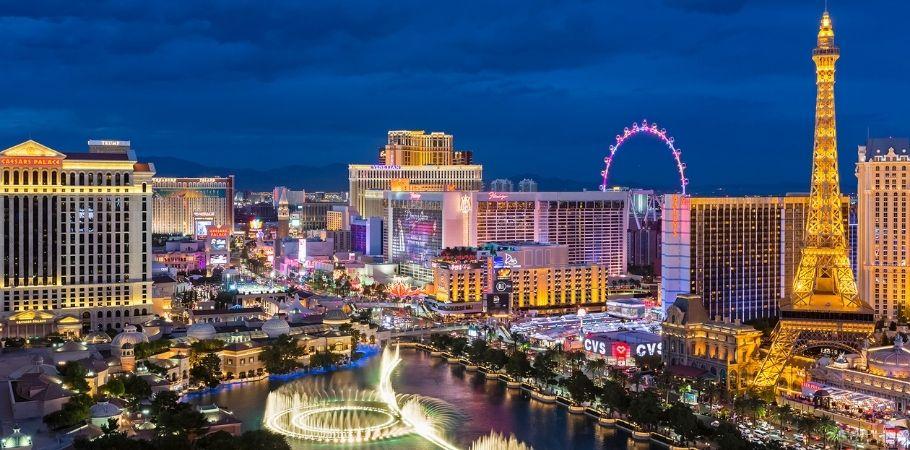 Casinos And Resorts Return To Las Vegas